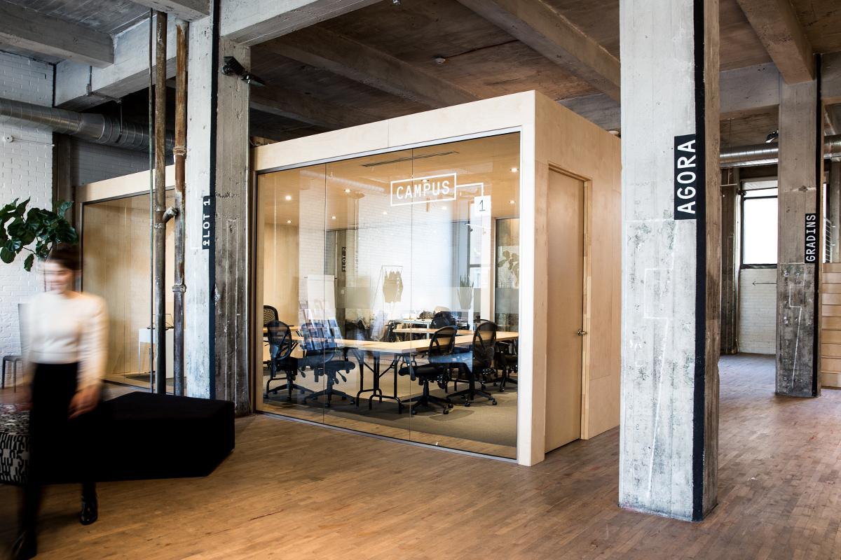 Campus infopresses signage and interior design montréal 2017