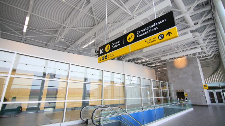 Stratégie d'orientation et signalétique, Aéroport International Jean-Lesage de Québec, 2016