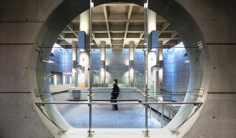 Station de métro De la Concorde, Laval, 2007