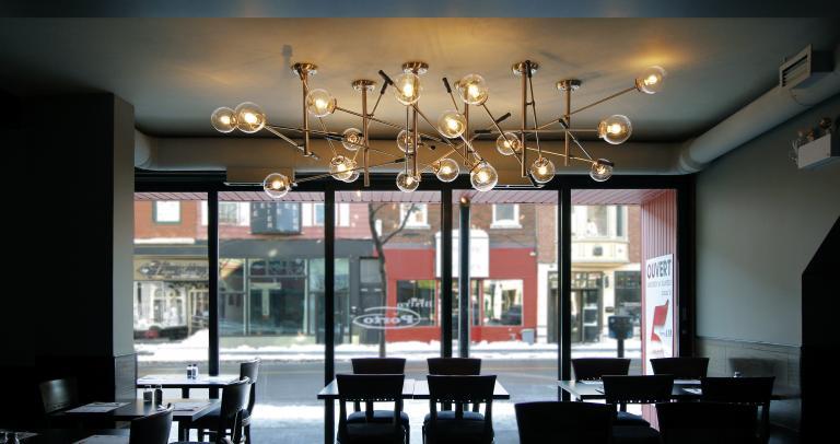 Luminaire Métronomic, restaurant Poutineville, Montréal, 2015