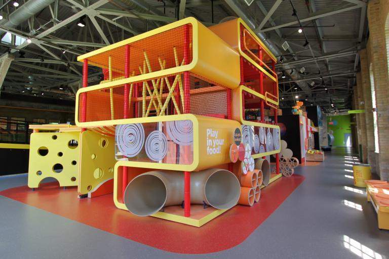 Manitoba Children's Museum, expositions permanentes et espaces publics, Winnipeg, Manitoba, 2011