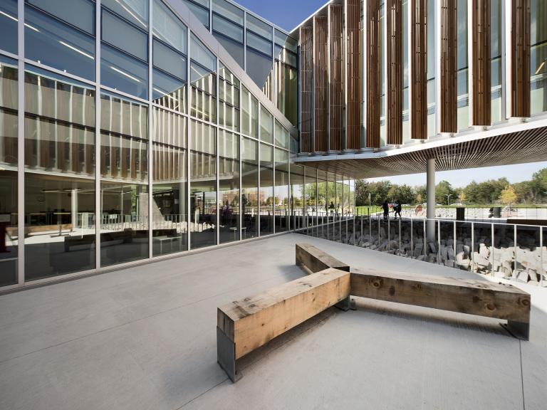 Bibliothèque Raymond-Lévesque, Longueuil, 2011