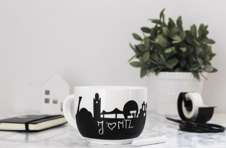 Montreal Lily mug, 2015