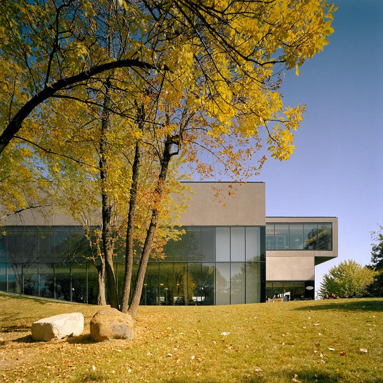 Chateauguay municipal Library, Châteauguay, 2003