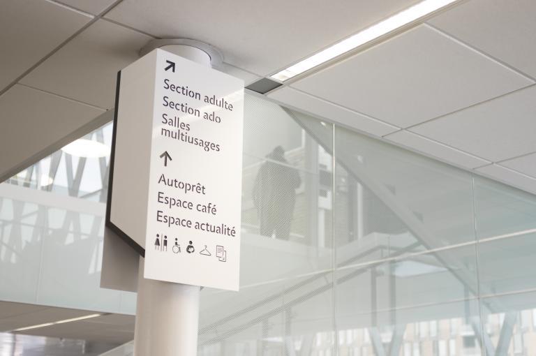 Signalétique et aménagement pour la bibliothèque Marc-Favreau, Montréal, 2013