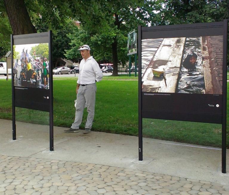 Supports pour expositions photo, Montréal, 2013