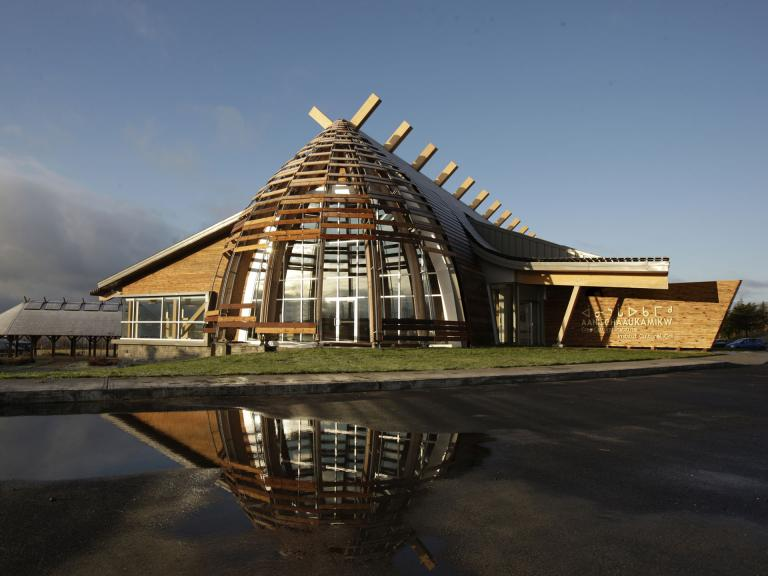 Institut culturel cri Aanischaaukamikw, Oujé-Bougoumou, 2011