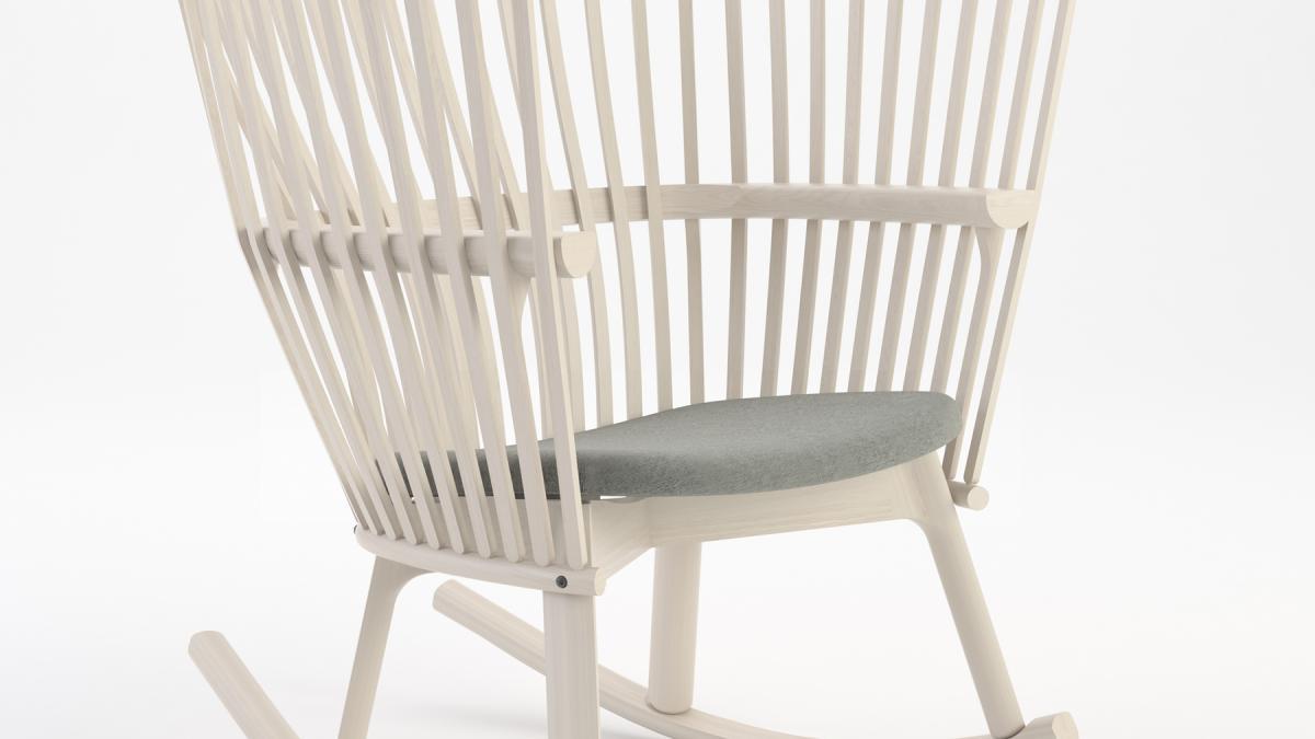 La chaise Étoffe est taillée dans du chêne blanc (Quercus alba), un bois dur natif d'Amérique, jadis extrêmement prisé dans la construction des navires.