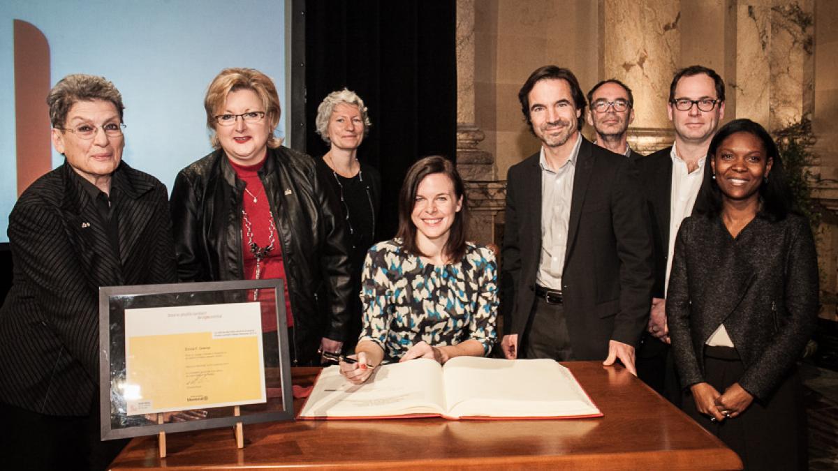 Signature du Livre d'or, Émilie F. Grenier