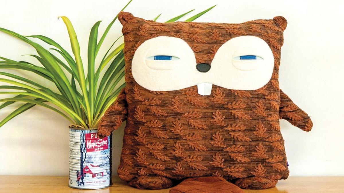 Cushion — Mama Beaver