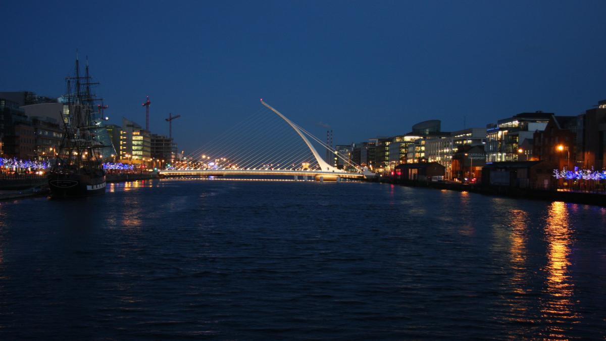 Pont Samuel-Beckett; Dublin, Irlande - Ville de littérature