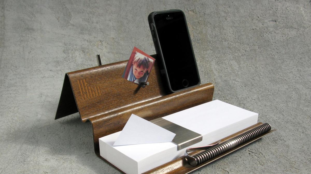 Inspiration organisateur de bureau magn tique avec distributeur de feuilles design montr al - Bureau distributeur cpam ...