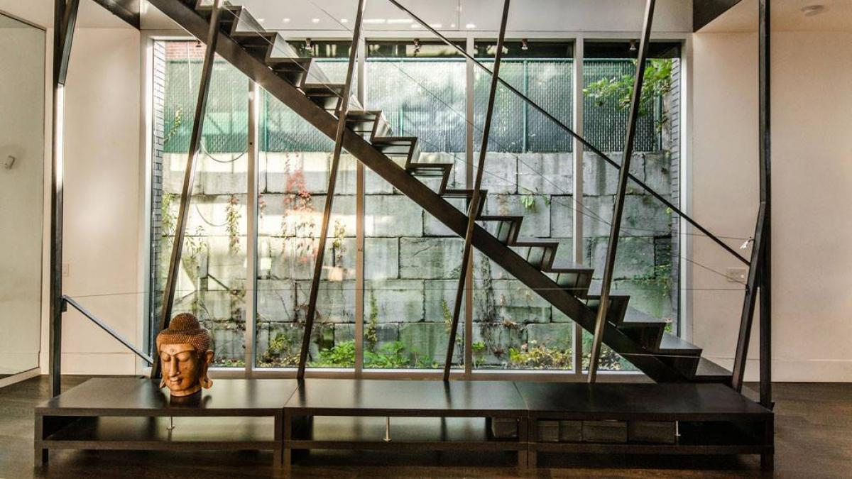 Fernhill inside, Montreal, 2008