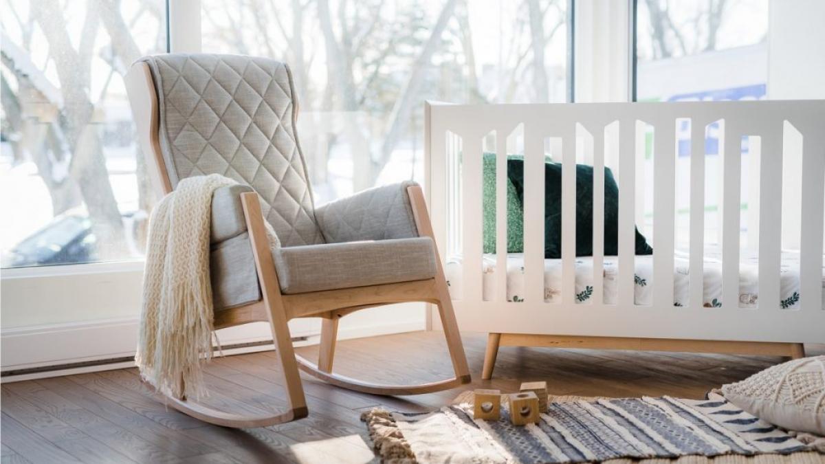 Chaise berçante Margot de Dutailier, 2019