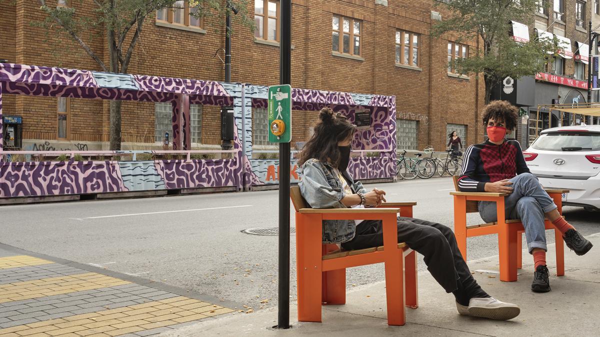 Chaises oranges, Montréal, 2020