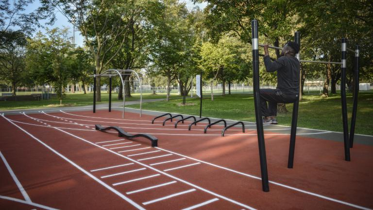 Trekfit training circuit at Henri-Julien park, by Signature Design Communication, Ahuntsic-Cartierville borough