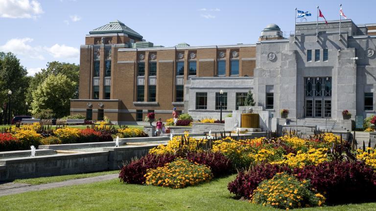 Jardins d'accueil du Jardin botanique de Montréal