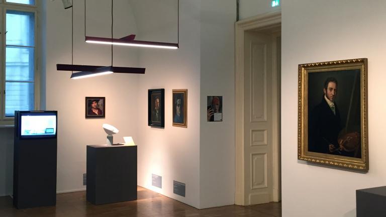 Luminaire Mile dans l'exposition Selected