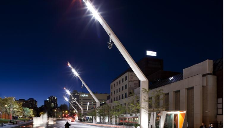Superstructures d'éclairage, Quartier des spectacles, par Daoust Lestage, arrondissement de Ville-Marie