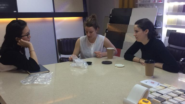 Gabrielle Falardeau and Élyse Leclerc (Jarre) visit the chinese supplier Kingkonree