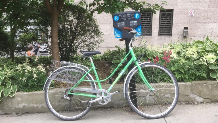 Support à vélo pour Stationnement de Montréal, par Michel Dallaire