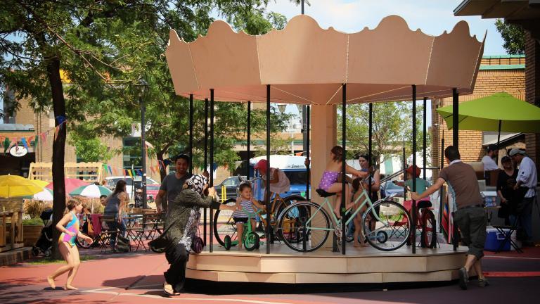 Le carrousel, Place Shamrock, Montréal, 2013